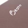 Detalle de porta corbata especial, micro troquelado con láser.