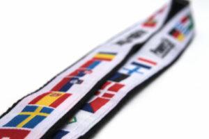 Lanyards en cinta tejida sobre soporte