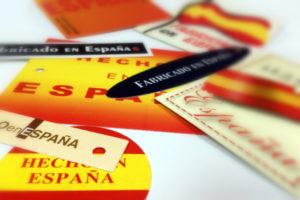 Etiquetas colgantes Hecho en España